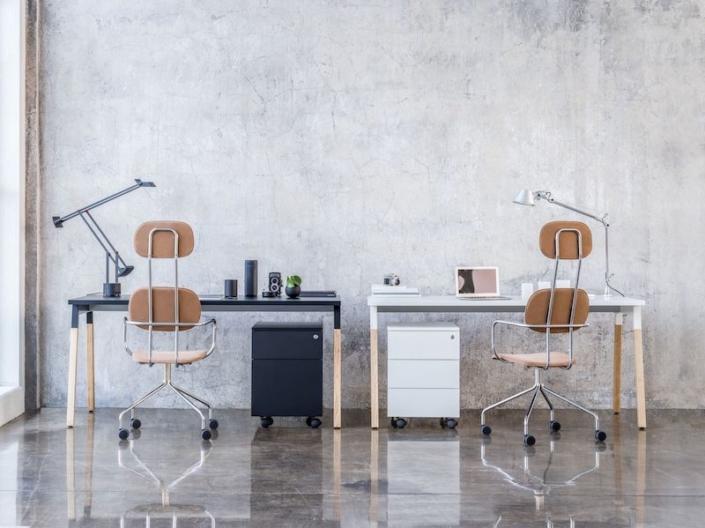 Bureaux melaminés pieds bois - Ubia mobilier bureau OGI (40)